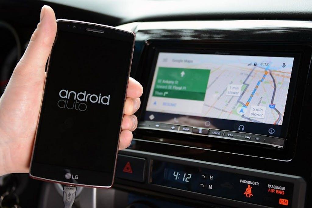 Android Auto ed Apple CarPlay: funzionamento e caratteristiche
