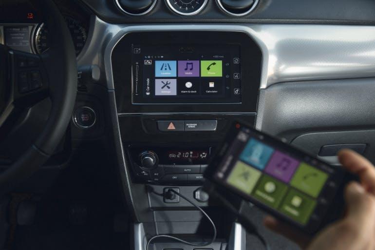 Come funziona Apple Car Play e Android Auto e Mirror Link