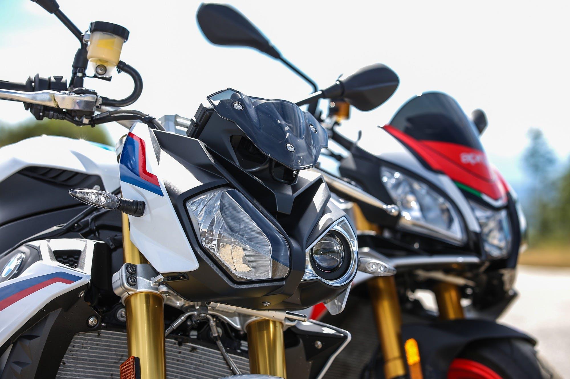 Aprilia Tuono V4 1100 Factory BMW S 1000 R