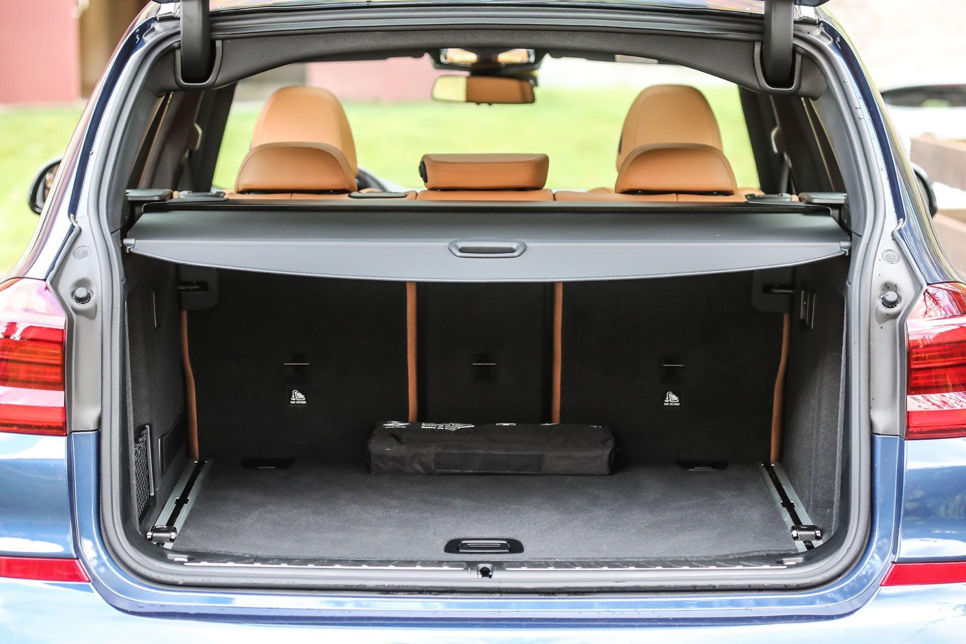 Bagagliaio aperto della BMW X3