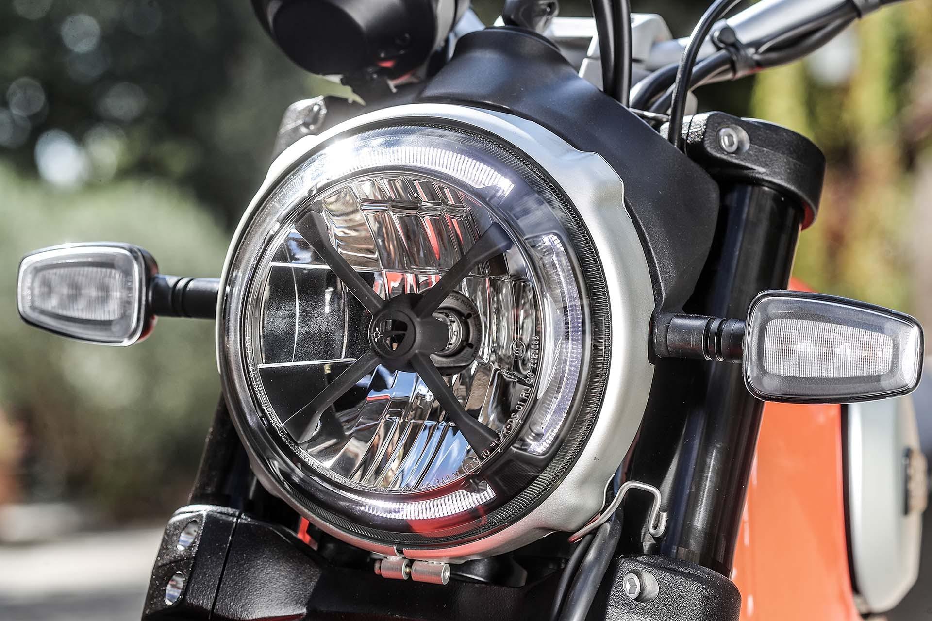 Ducati Scrambler 800 Icon 2019 faro