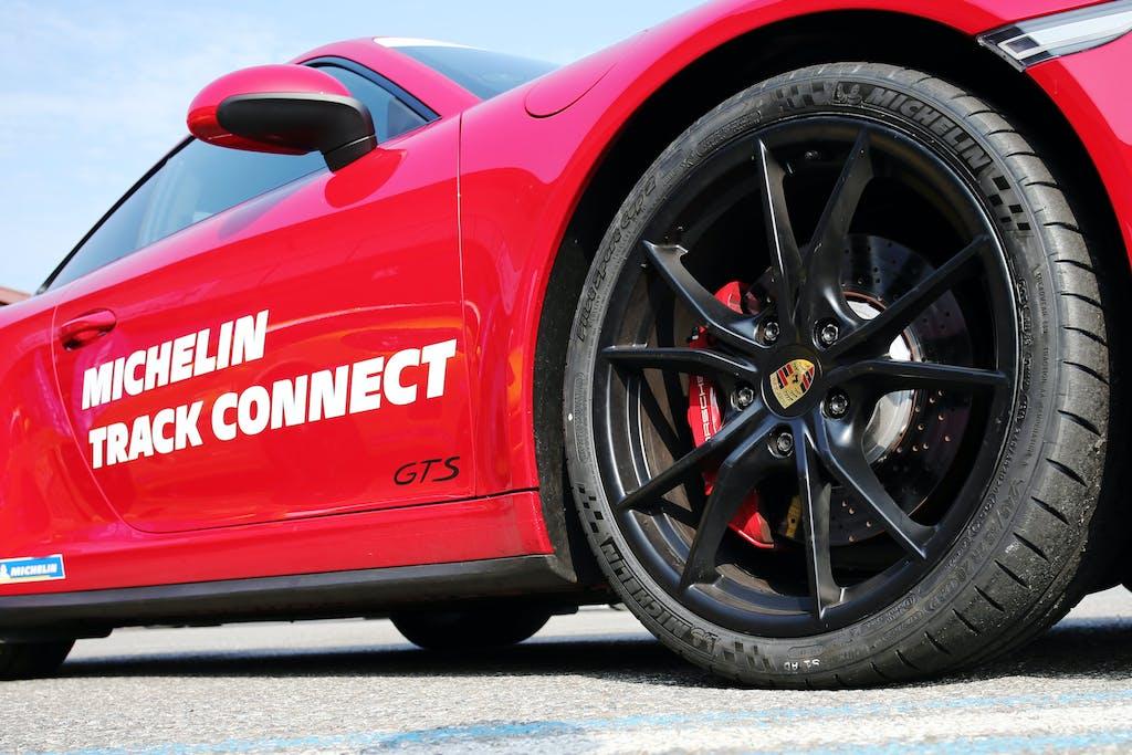 Michelin Track Connect, l'app che parla con i pneumatici