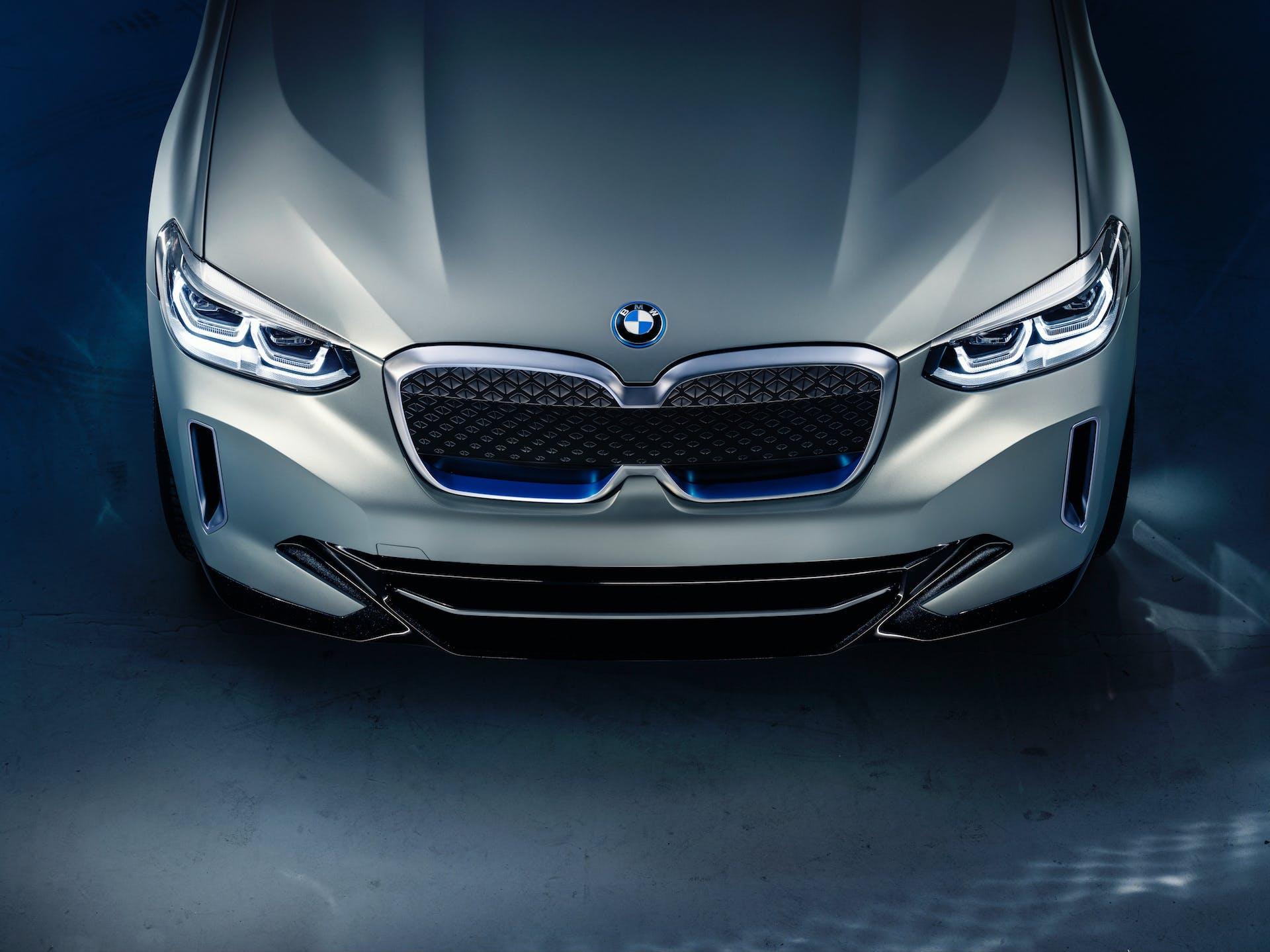BMW Concept iX3 frontale calandra