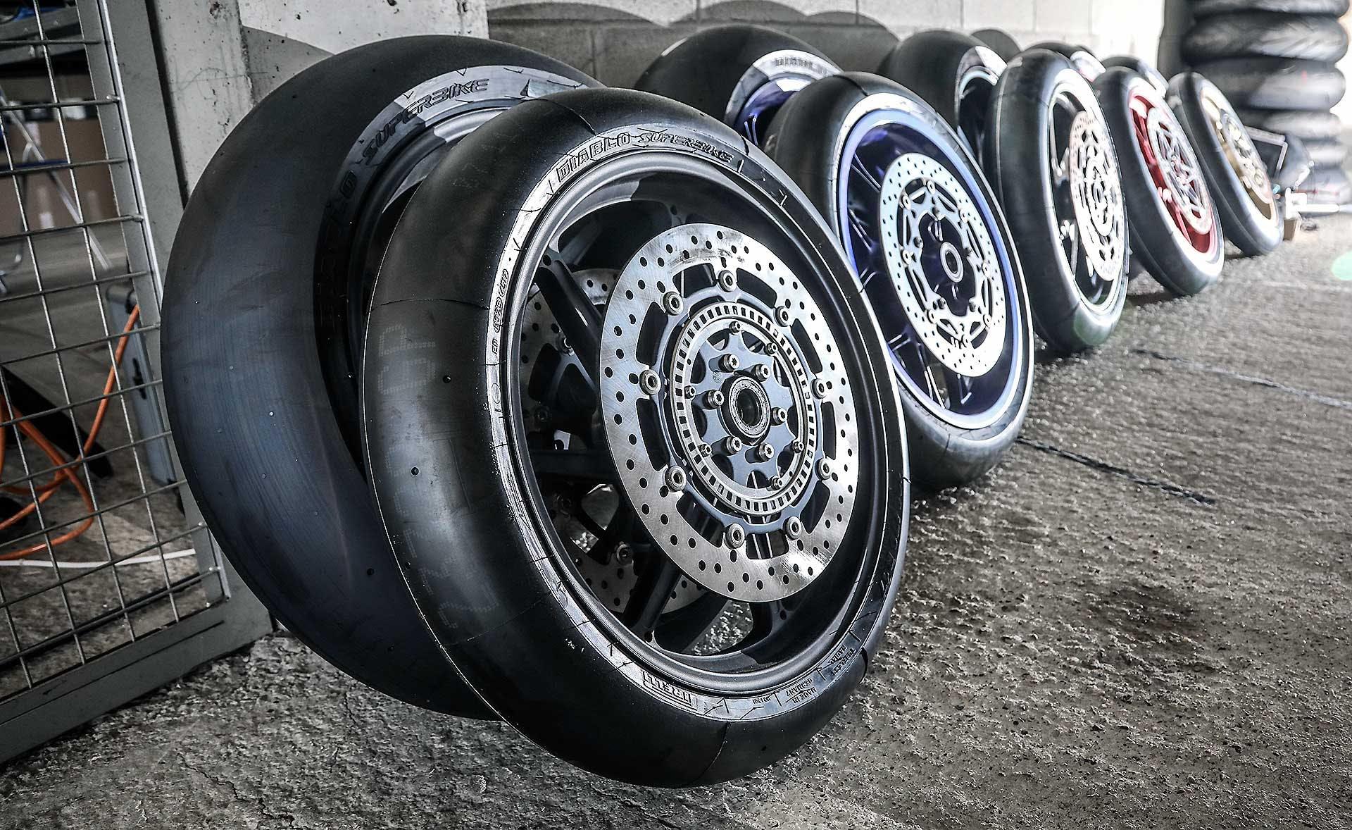 Pirelli appoggiate da corsa slick