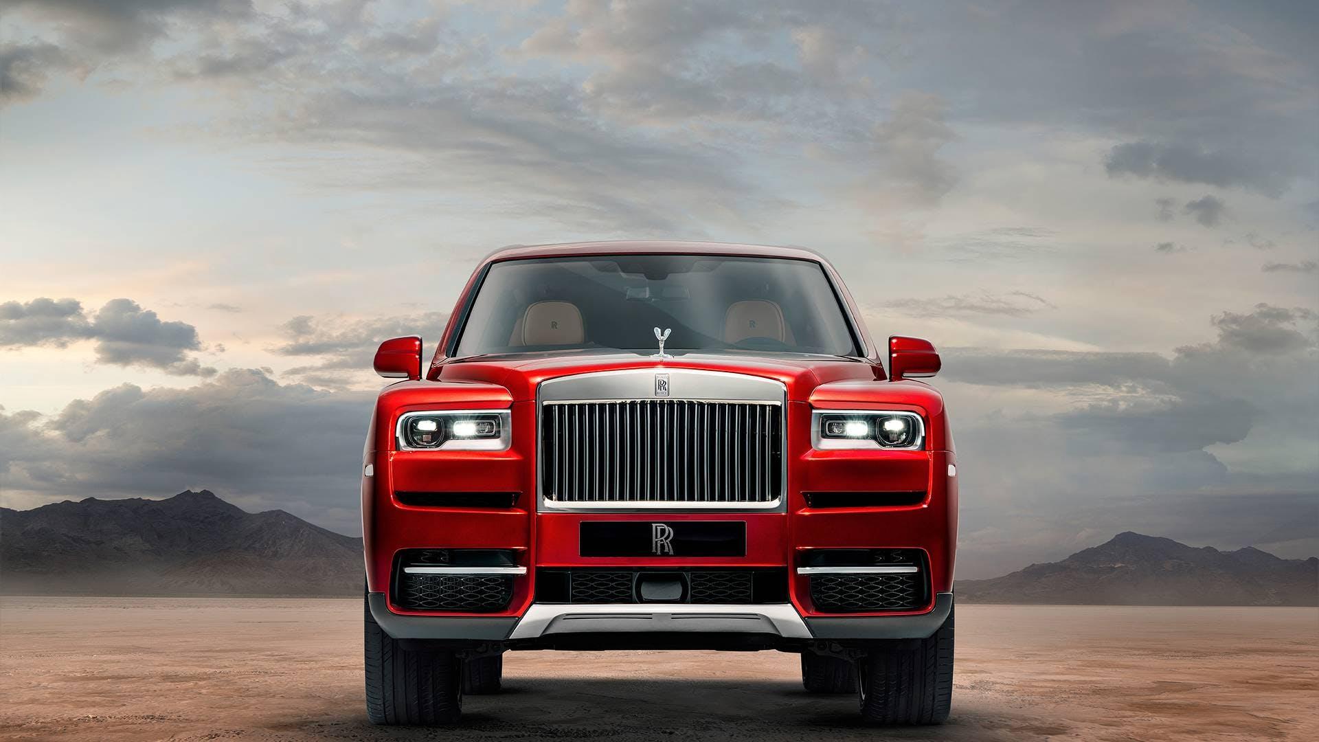 Rolls Royce Cullinan montagne frontale