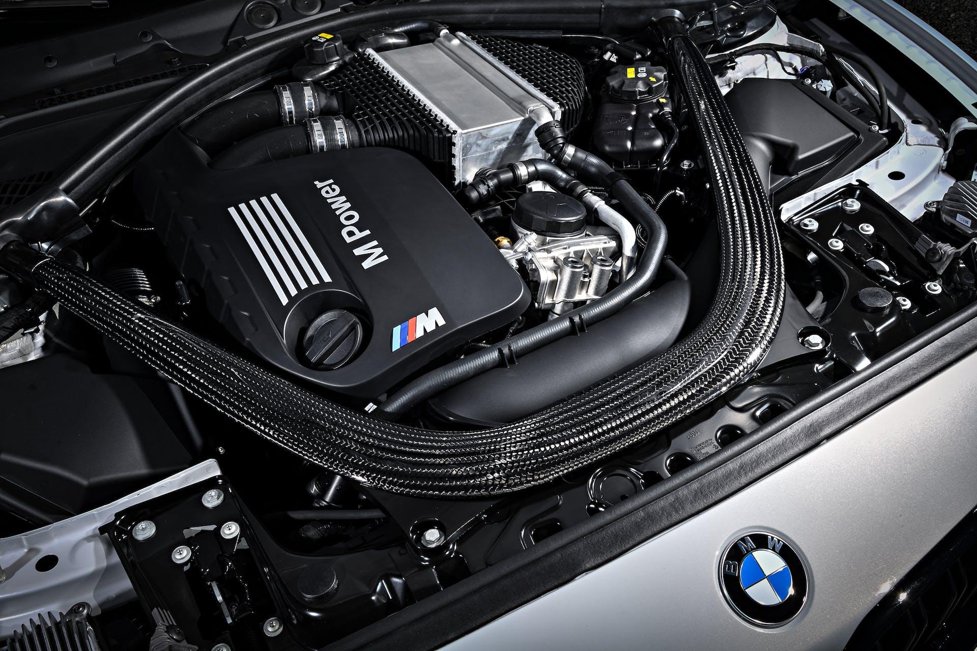 bmw m2 competition vano motore