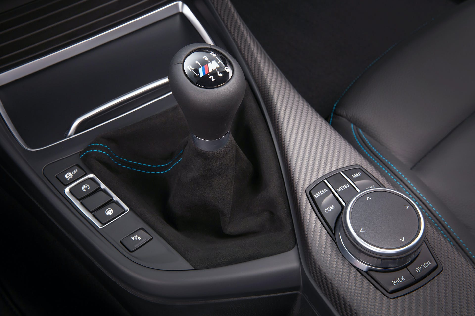 bmw m2 competition cambio manuale