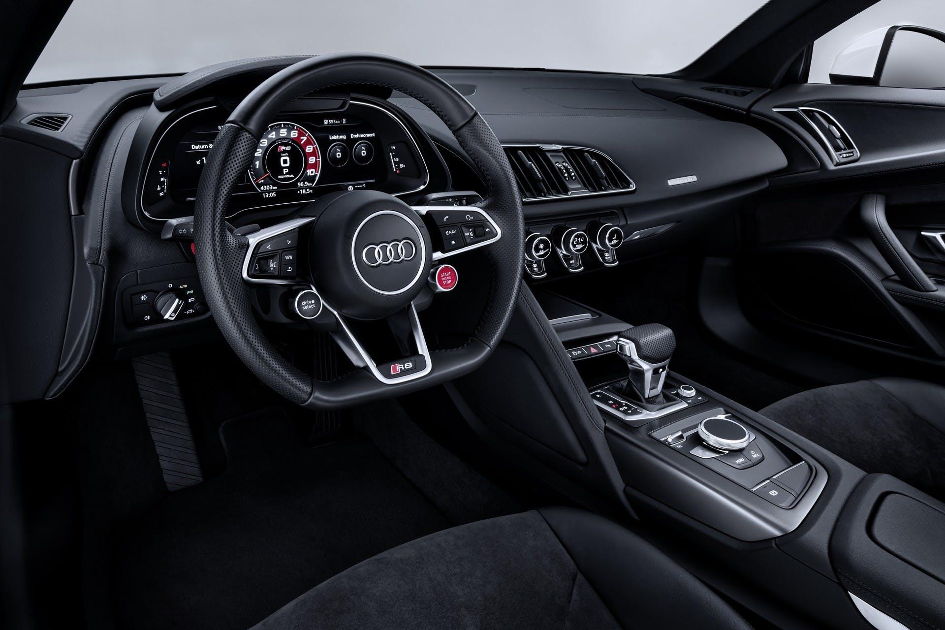 Audi R8 RWS interni
