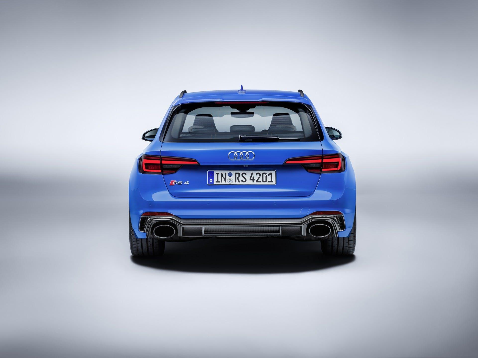 Audi RS4 Avant-statica