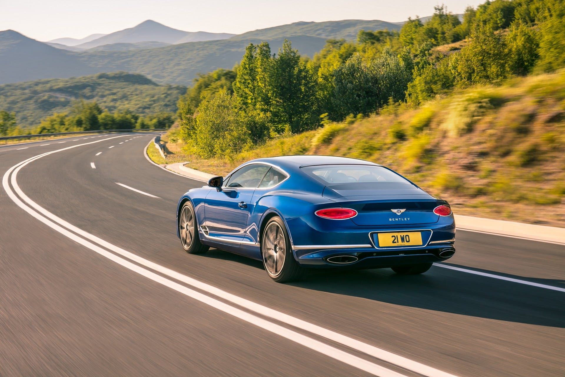 Bentley Continental GT 2018 dinamica