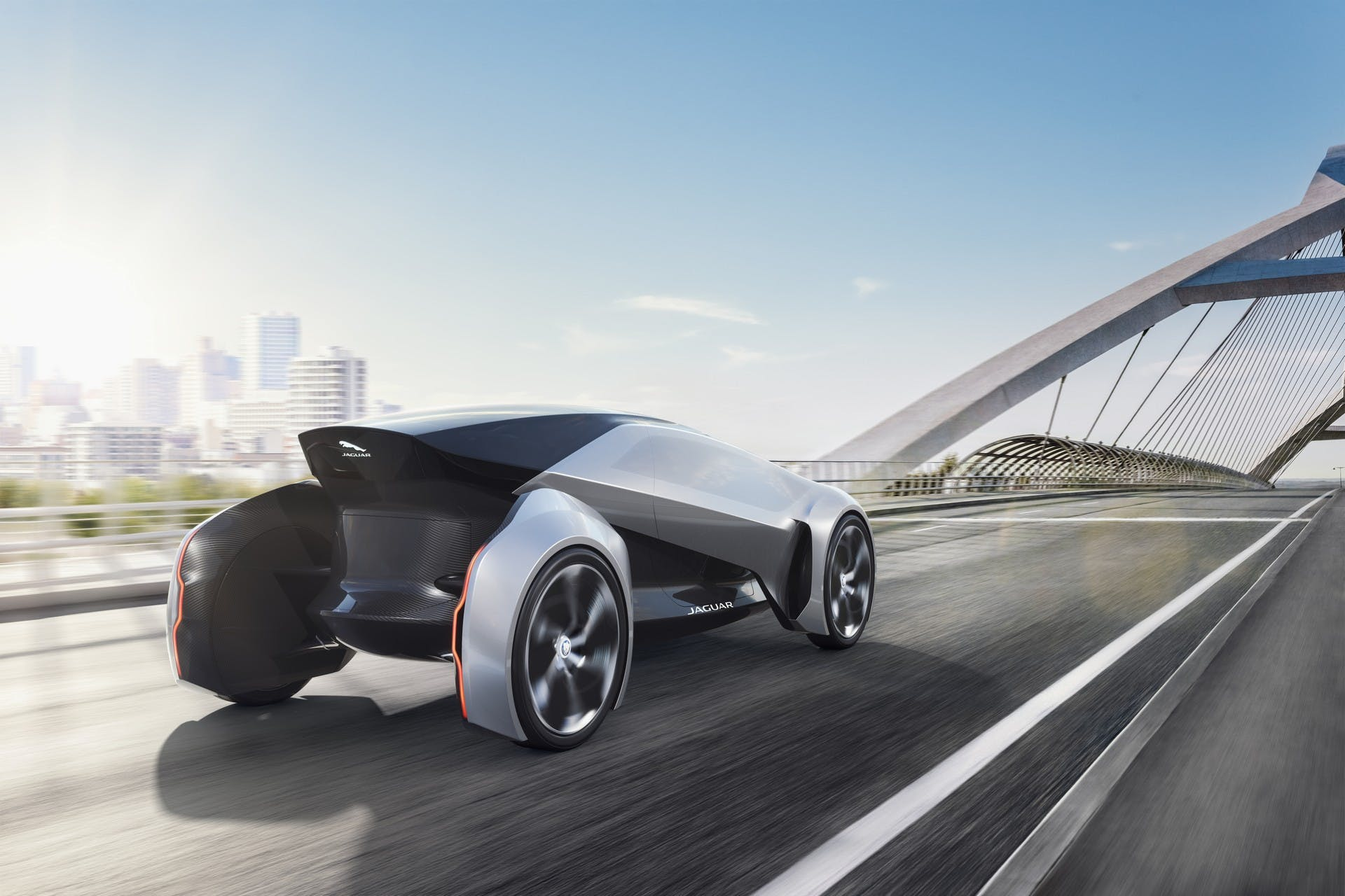 Jaguar Future-Type dinamica