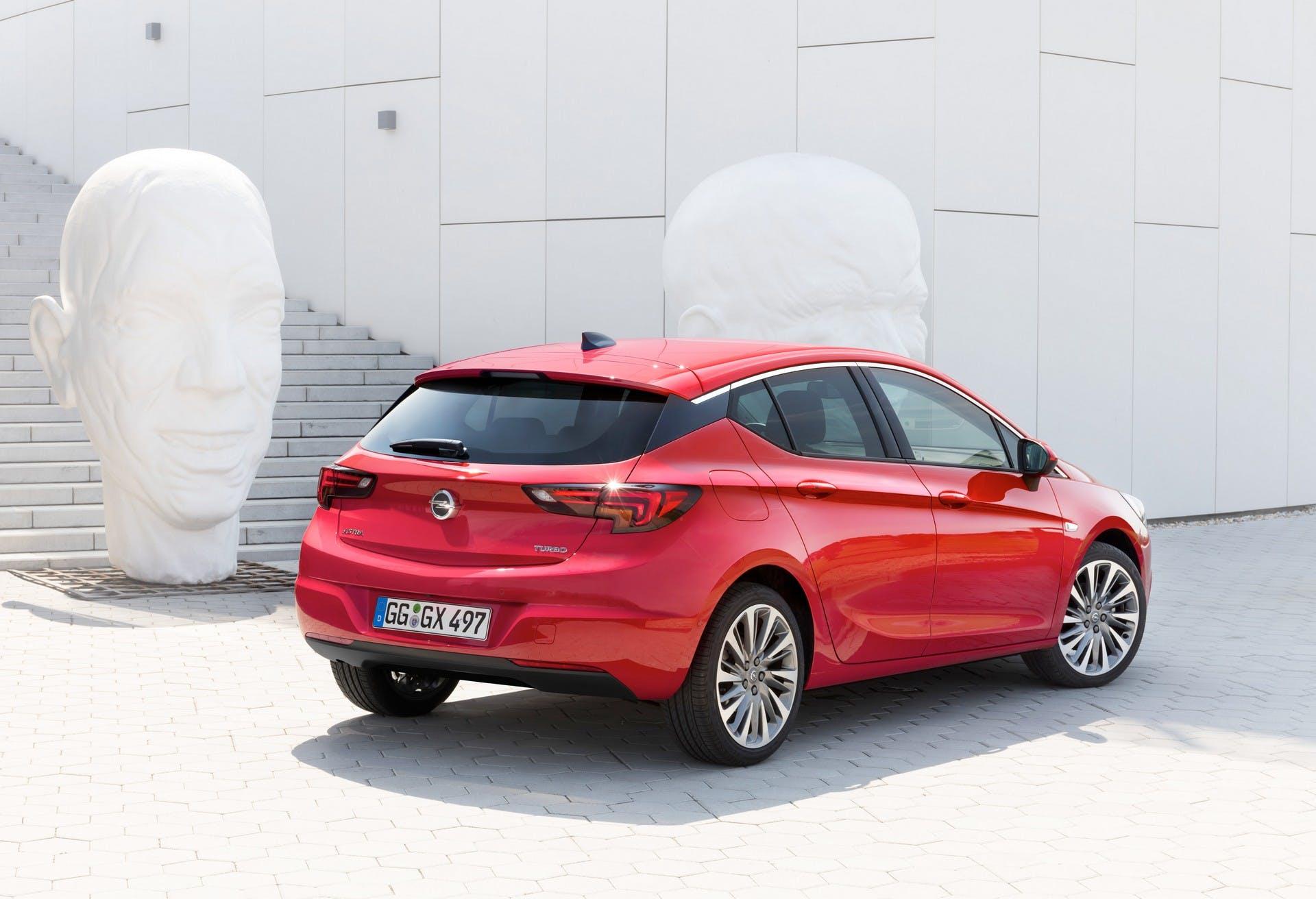 Opel Astra ecoM statica