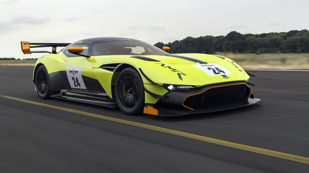 Aston Martin Vulcan AMR Pro: over the top