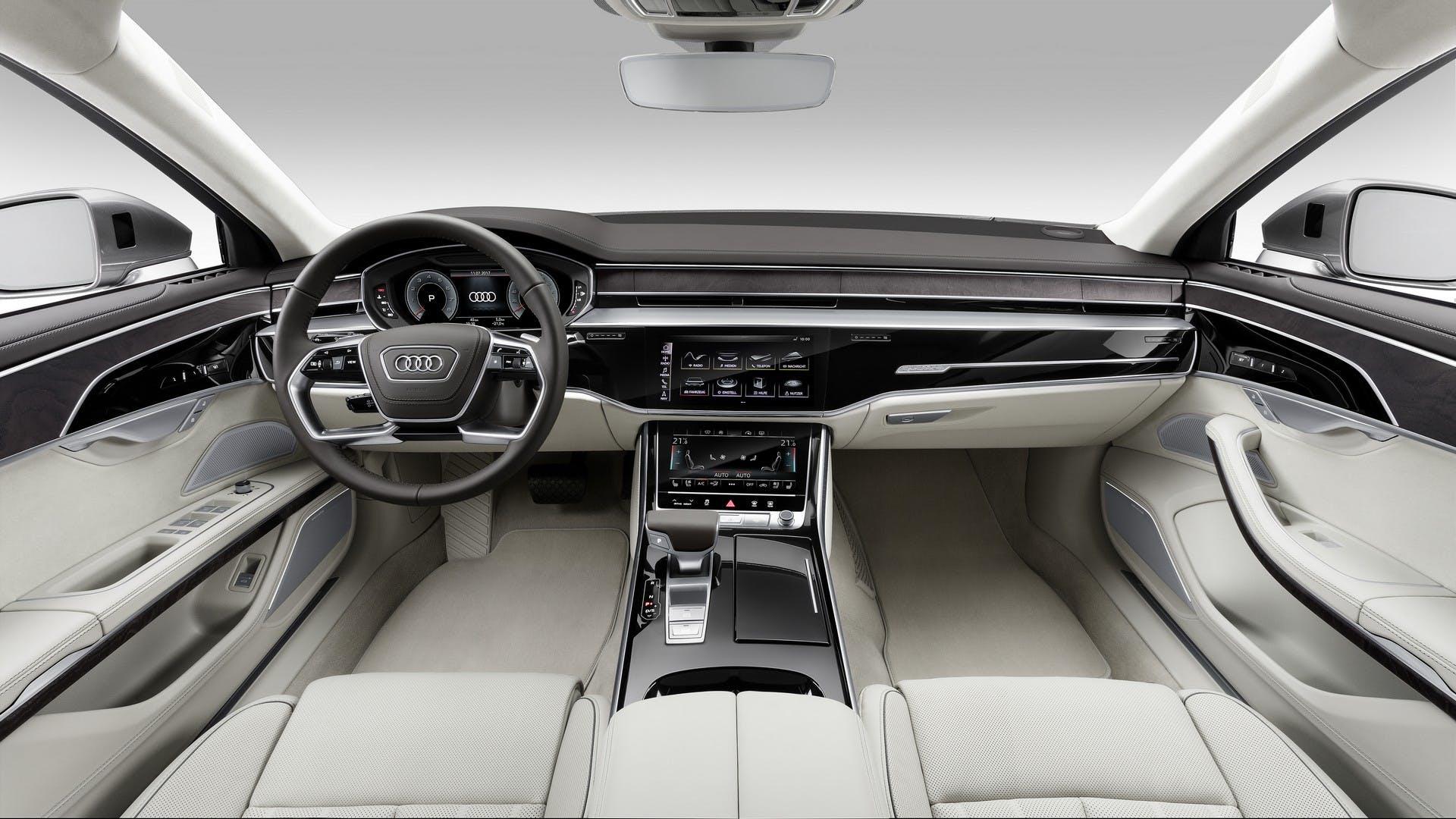 Audi A8 L interni