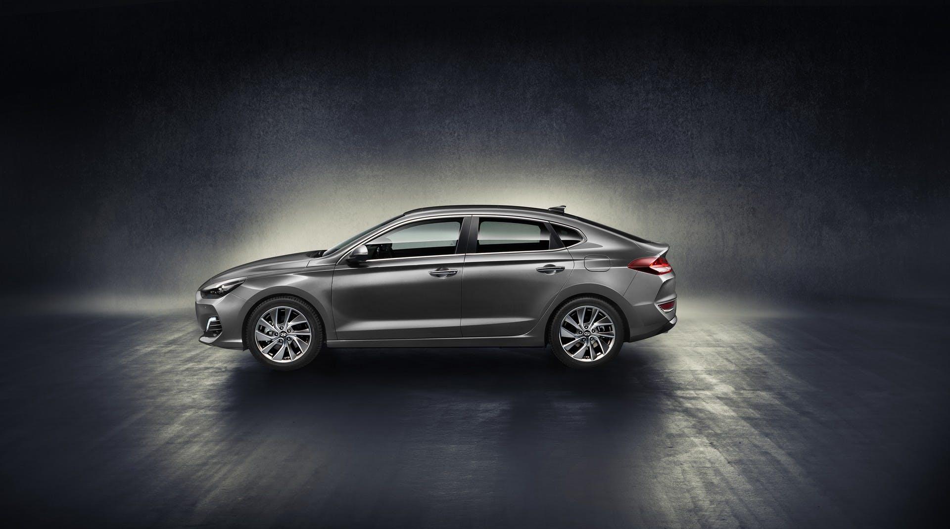 Hyundai i30 Fastback statica