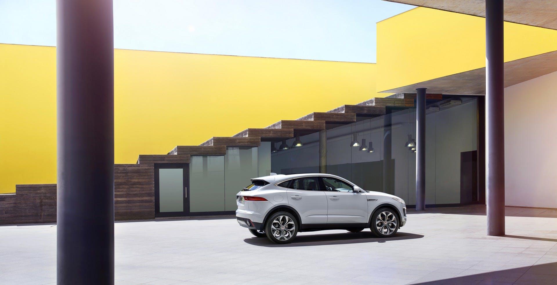 Jaguar E-Pace statica