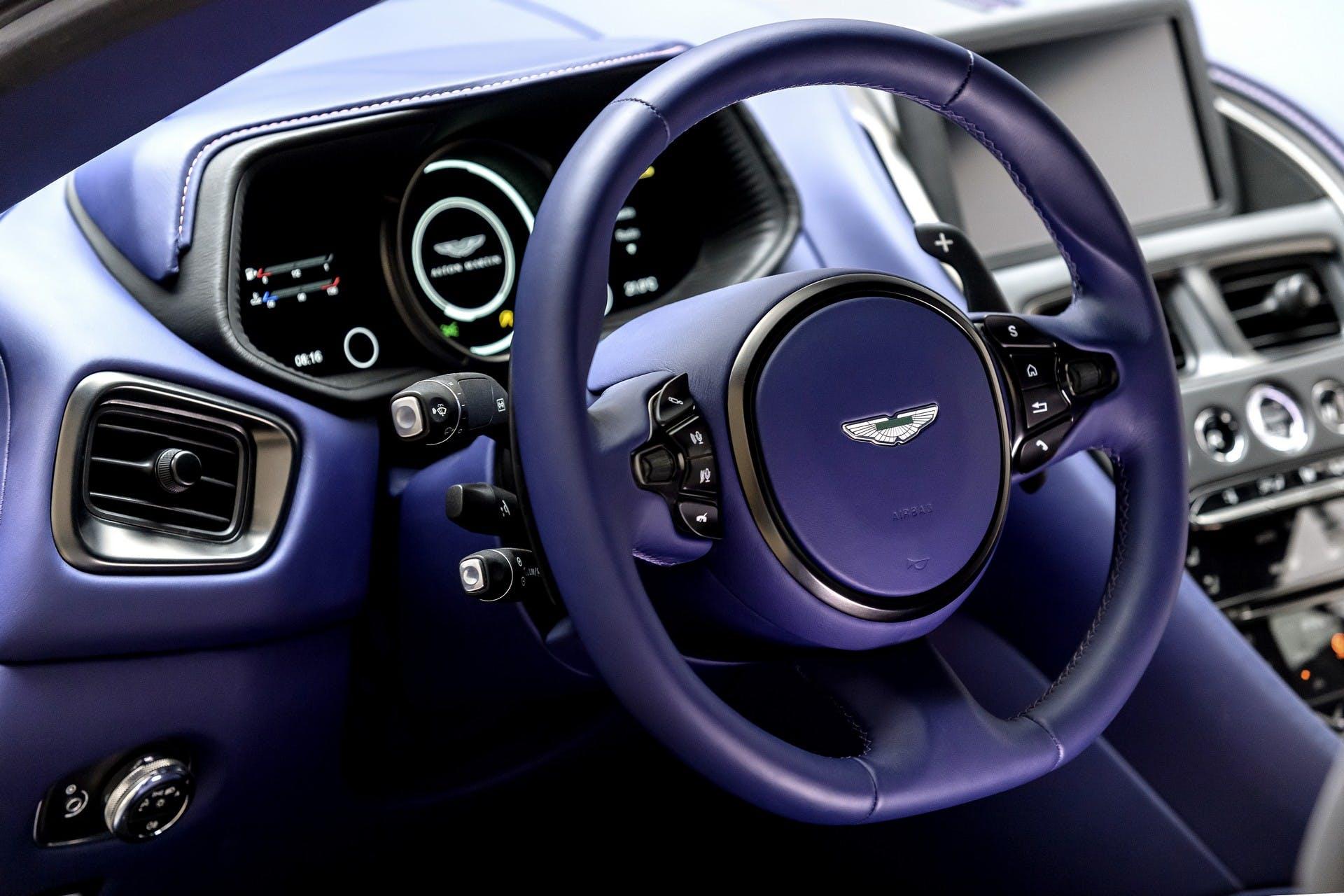 Aston Martin DB11 V8 interni