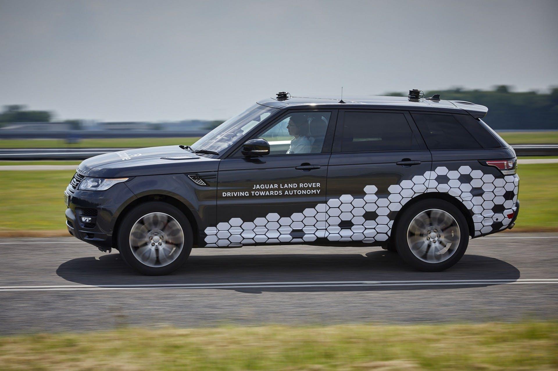 Range Rover Sport Autonomous Urban Drive dinamica