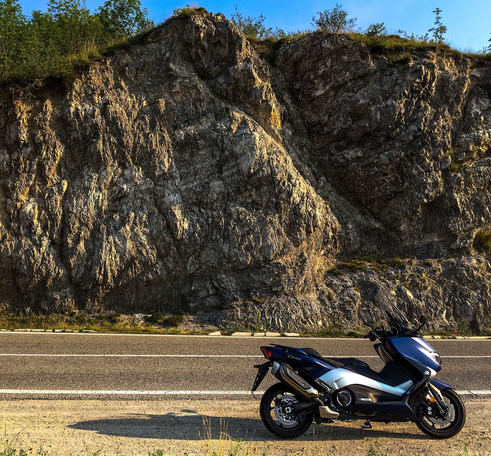 Yamaha TMAX DX - laterale