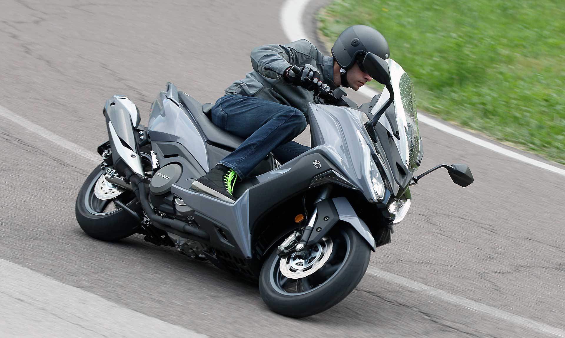 Kymco AK 550 Migliori maxi scooter