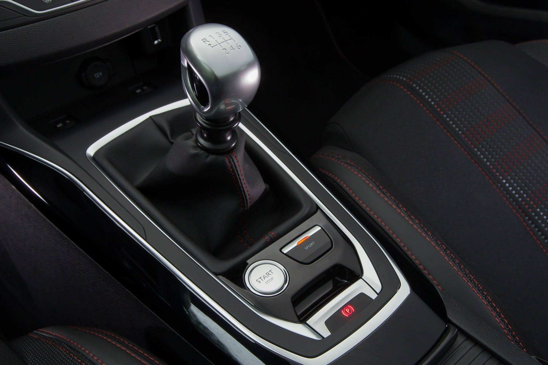 Peugeot 308 MY18 interni