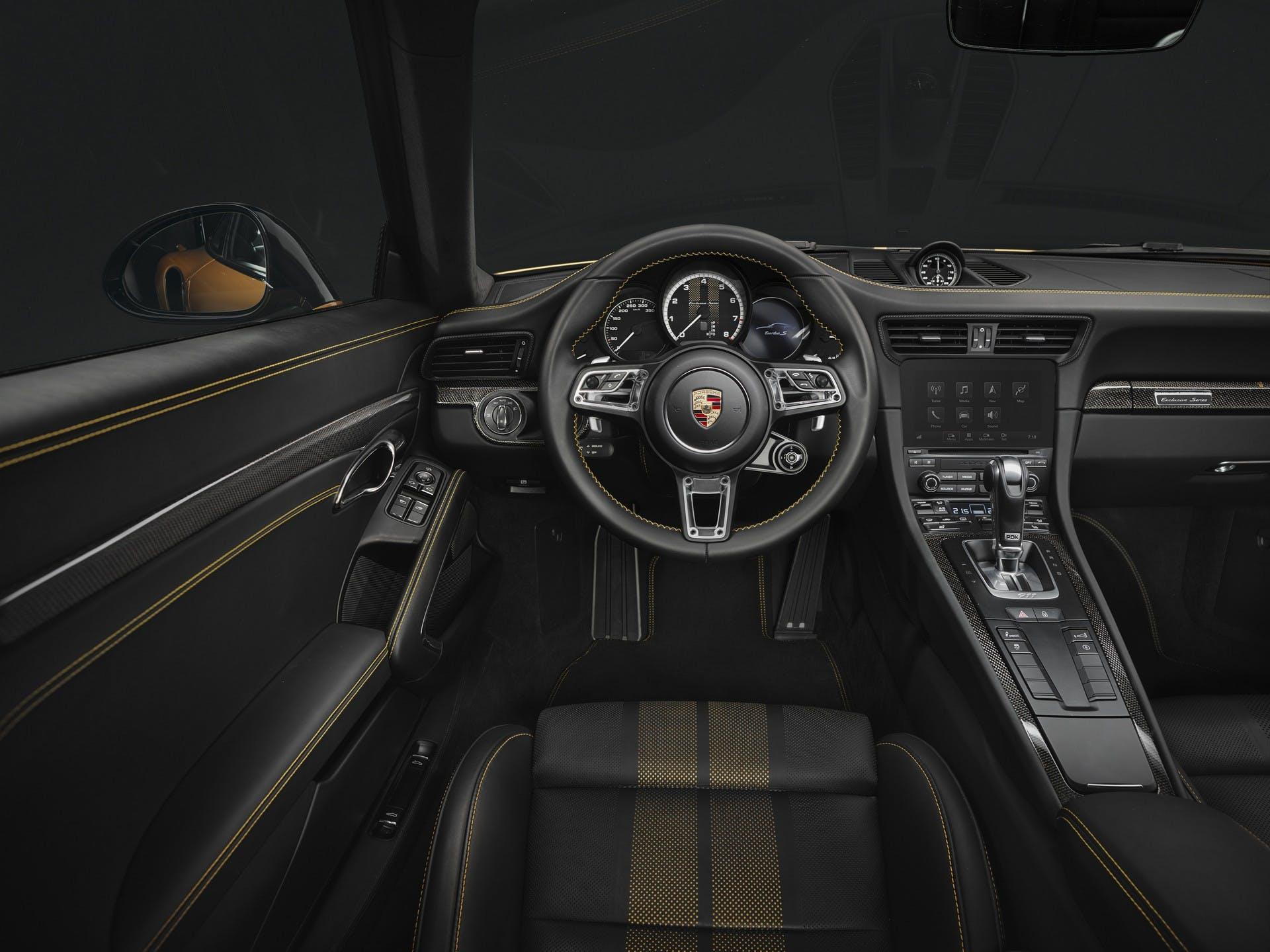 Porsche 911 Turbo S Exclusive Series interni