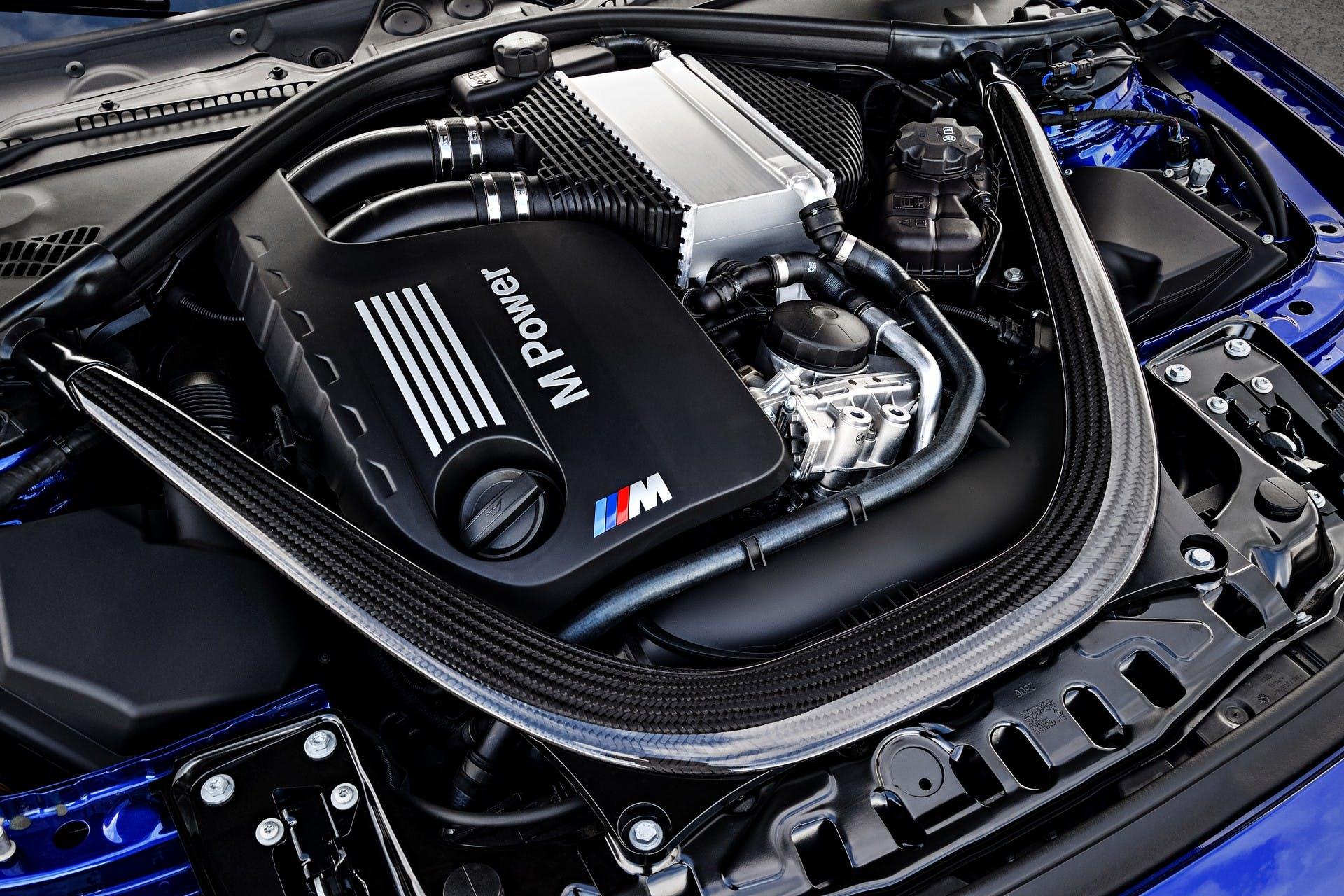 BMW M4 CS motore