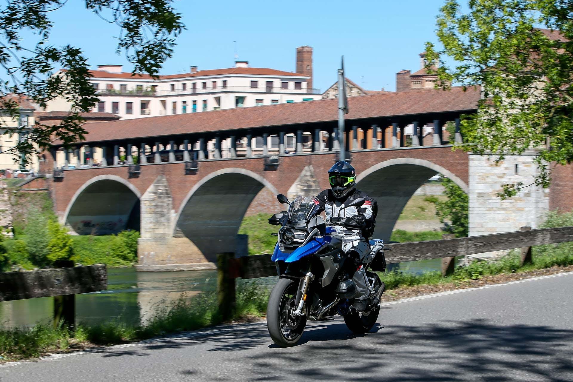 BMW R 1200 GS Rallye Movimento Anteriore Ponte Coperto Pavia