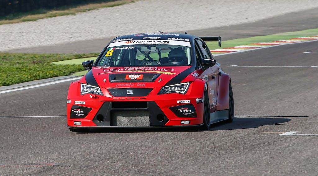 Seat Motorsport: adelante Leon!
