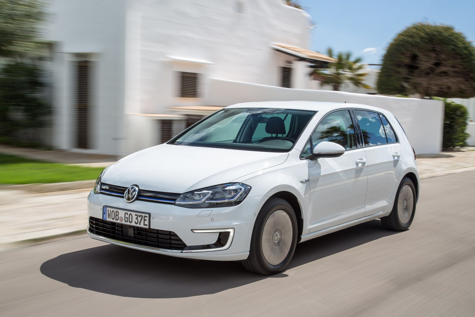 Volkswagen e-Golf-001
