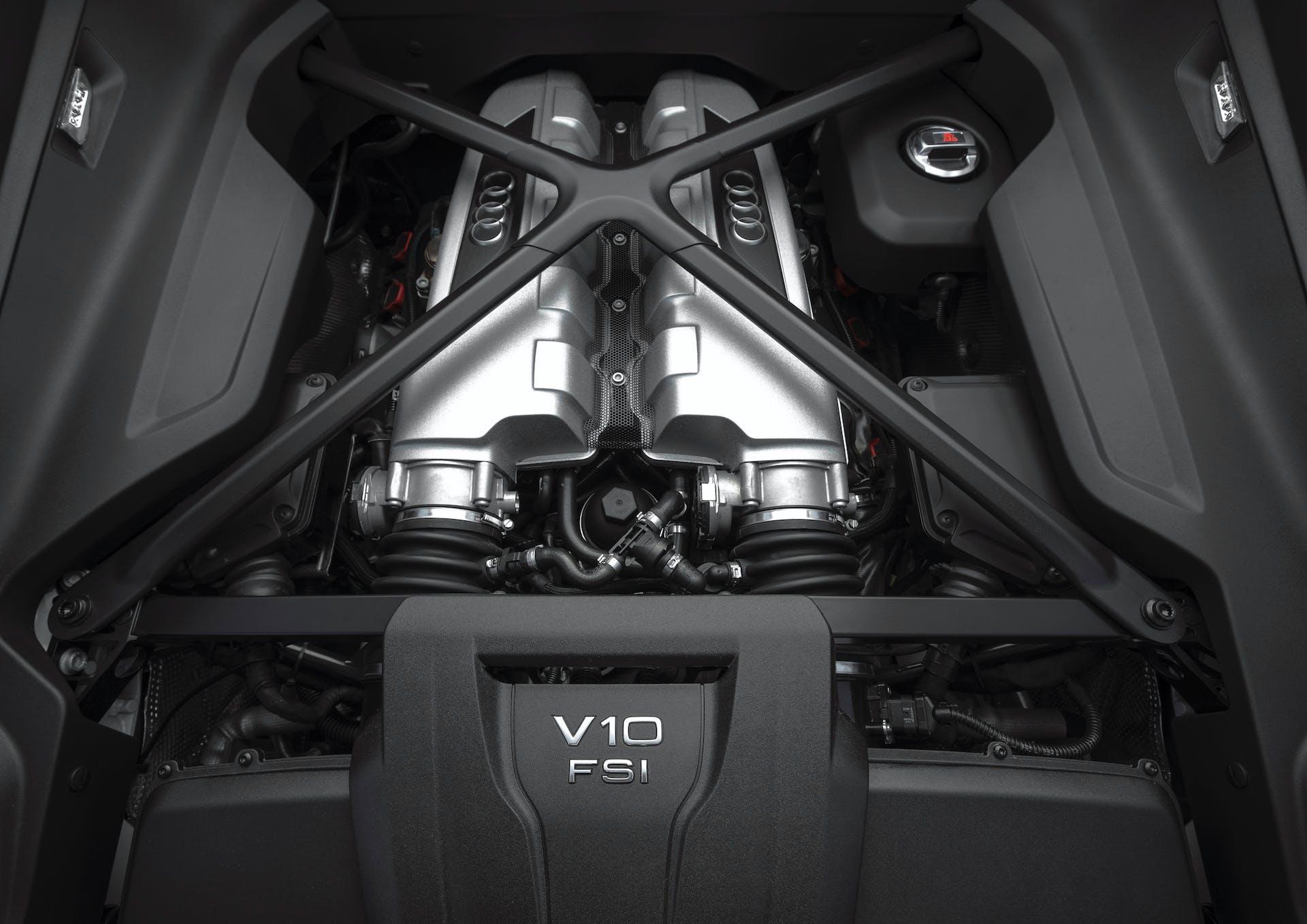 audi r8 v10 rws spyder motore