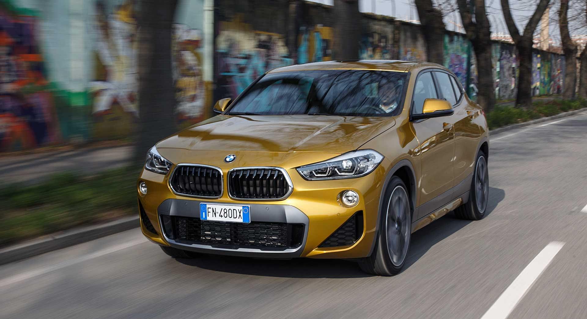 BMW X2 movimento camera car
