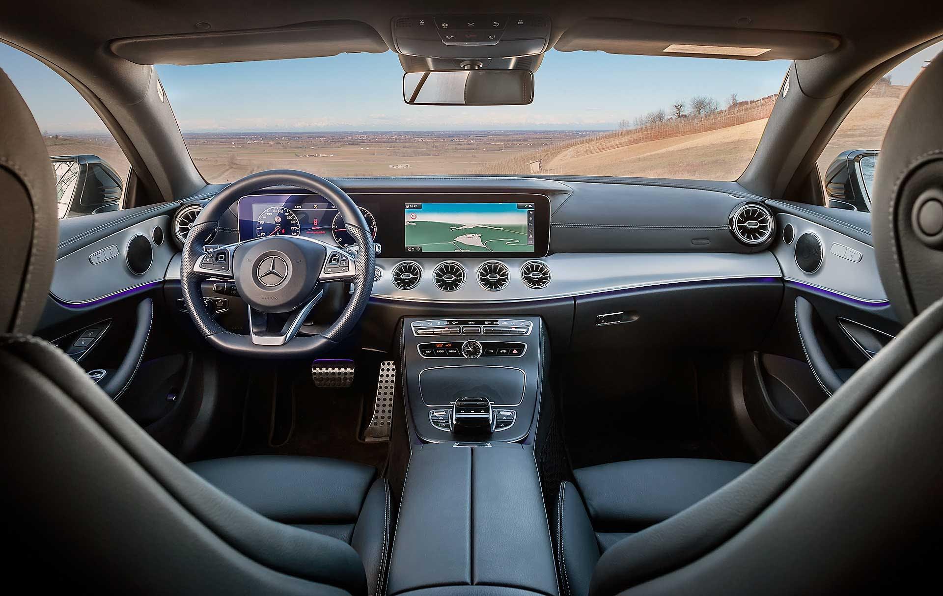 Mercedes E220 Coupe interno abitacolo