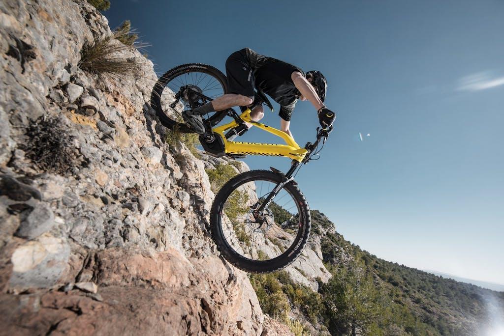 Peugeot Cycles eM02 FS, batteria e avventura