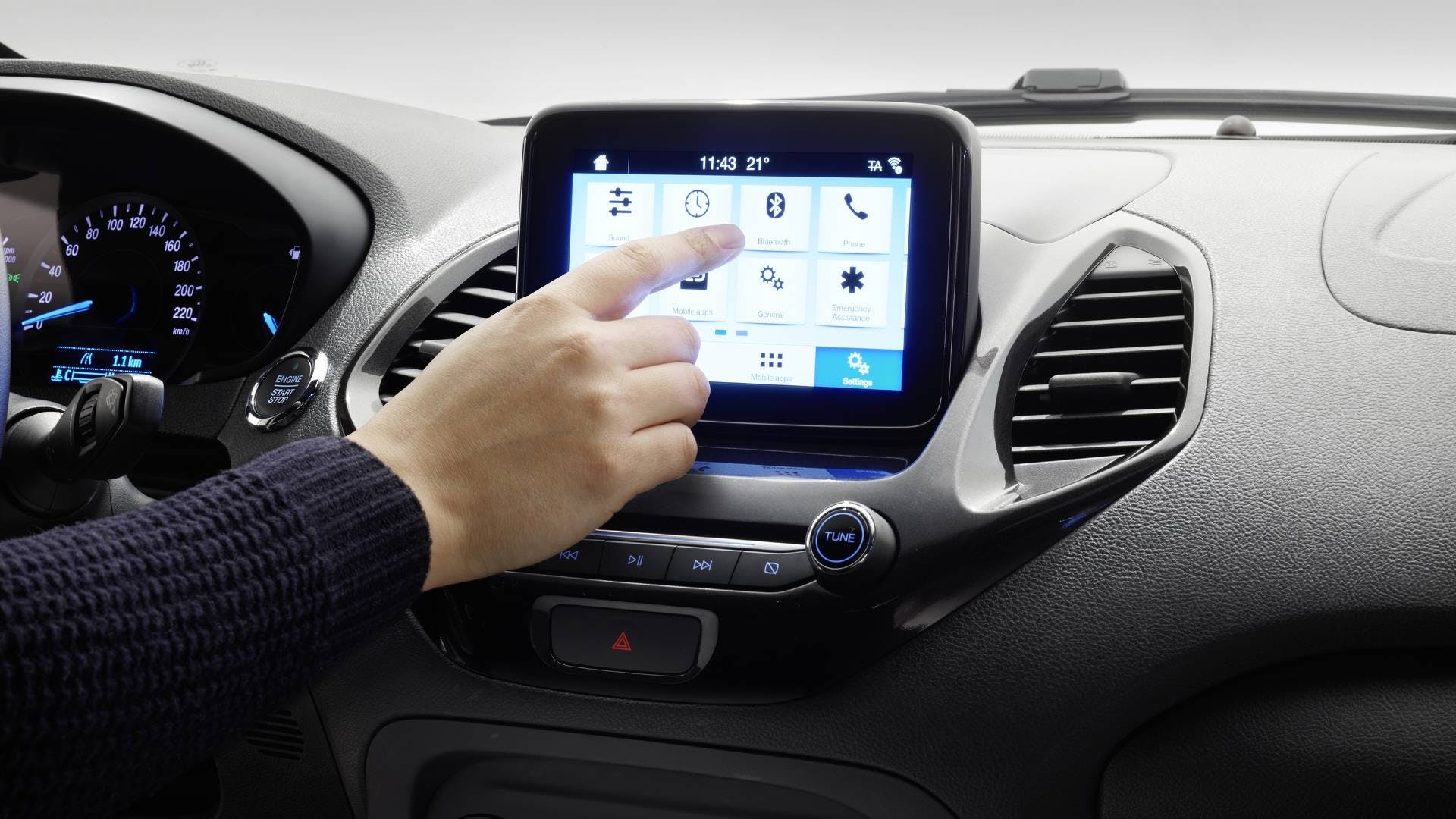 Ford Ka+ restyling schermo sync 3 abitacolo