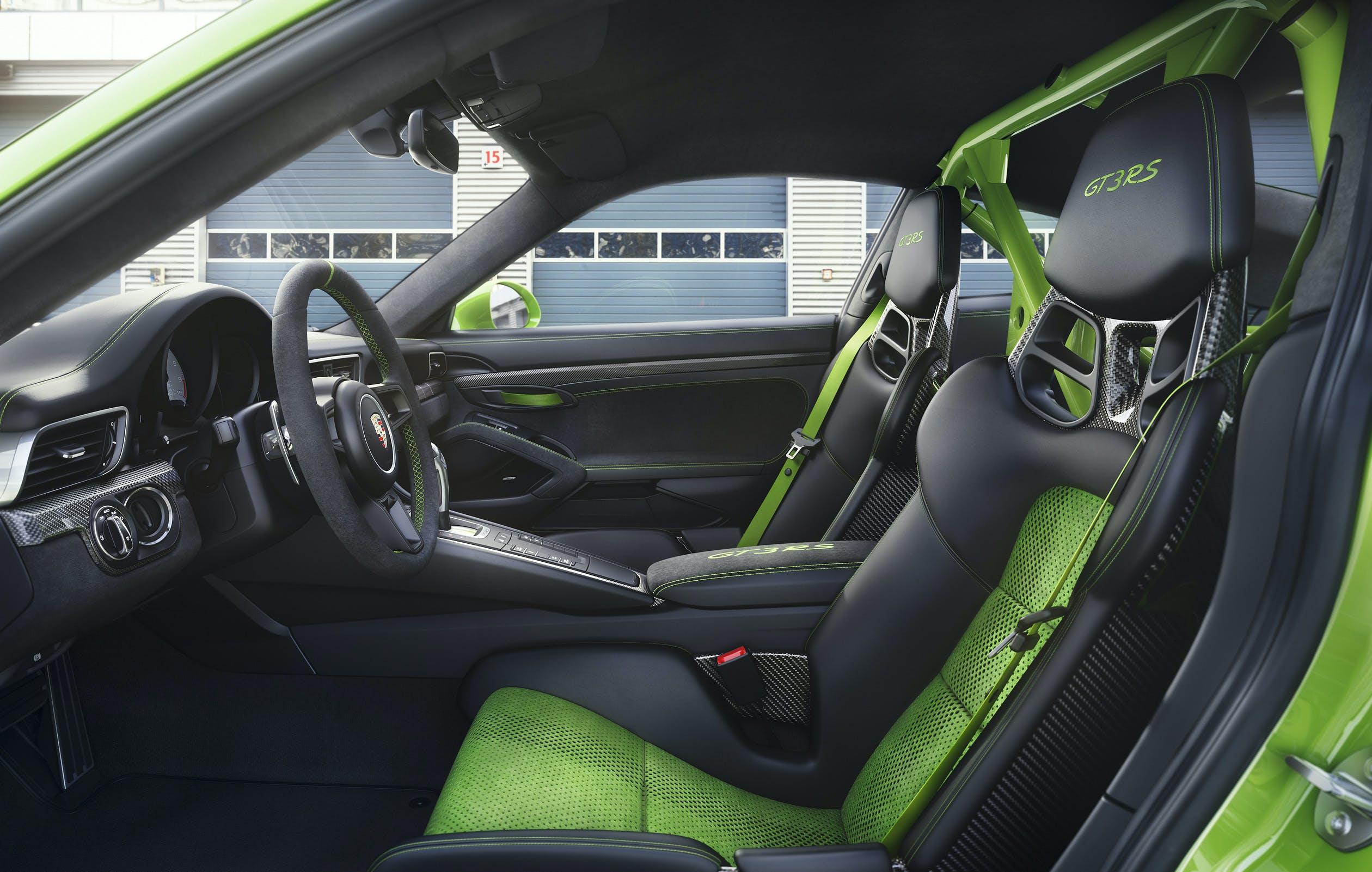 nuova porsche 911 gt3 rs sedili racing abitacolo