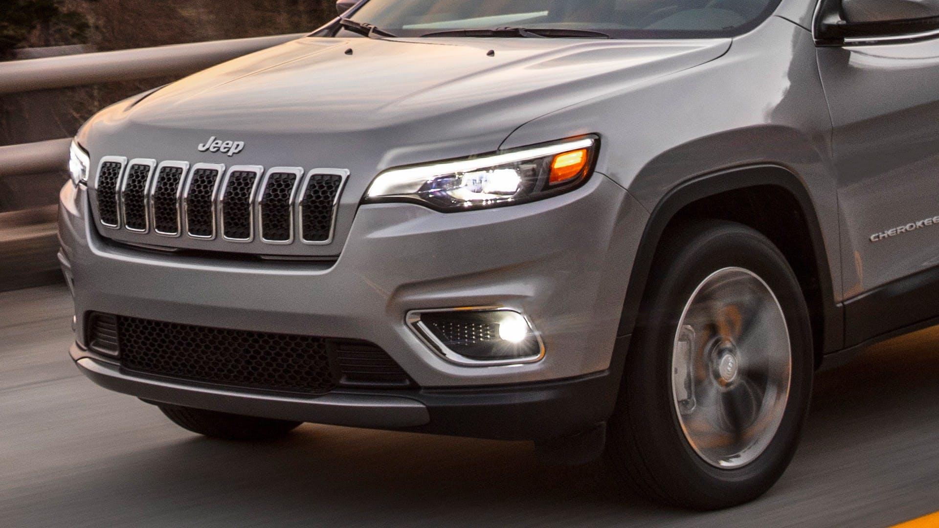 Jeep Cherokee 2018 frontale grigia