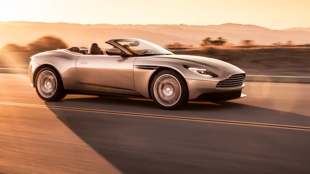 Aston Martin DB11 Volante: fascino scoperto
