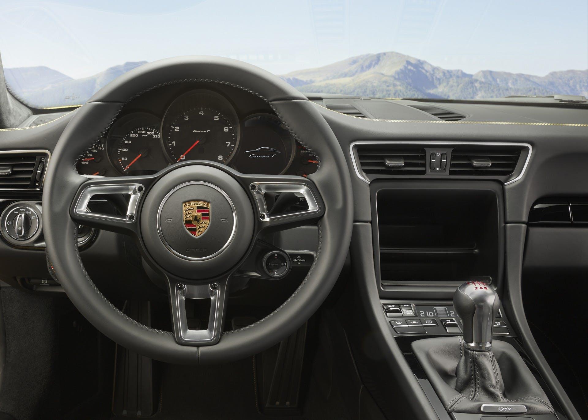 Porsche 911 Carrera T interni
