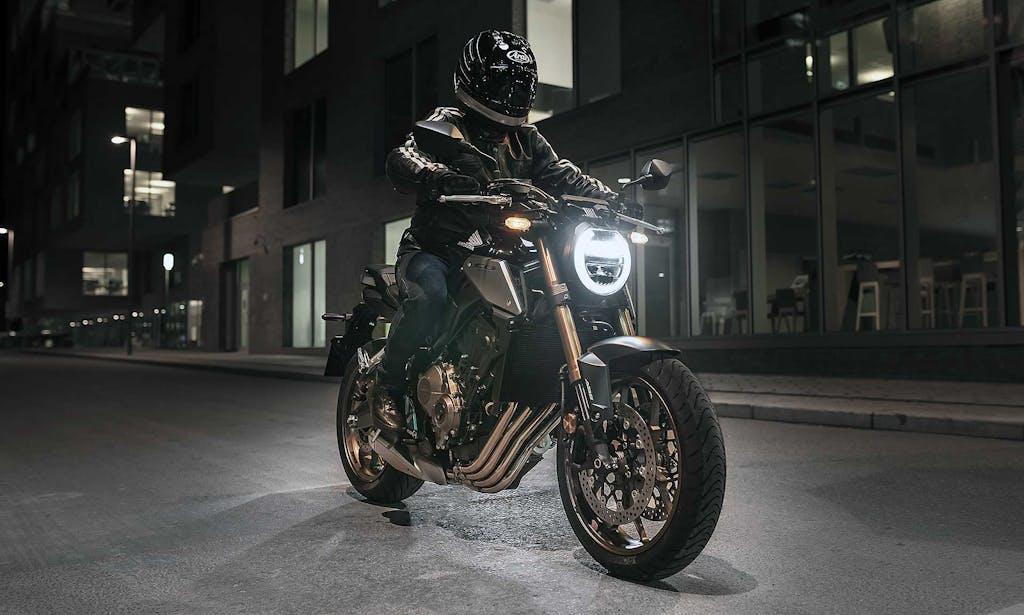 Honda CB650R, Café racer di mezzo