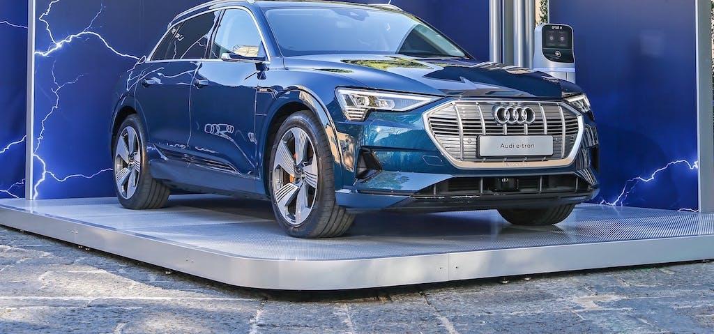 Audi e-tron, con Enel X ricarichi gratis per 14.000 km
