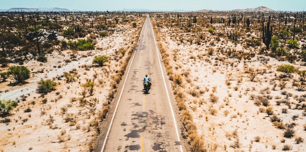 Il giro del mondo a piedi e in bici. Il racconto di un cicloviaggiatore