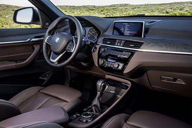 BMWX1-025