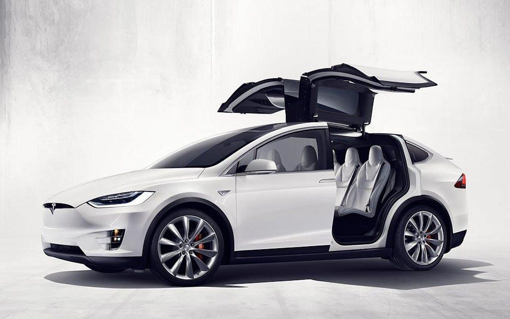 Tesla Model X 2016: scossa alle SUV