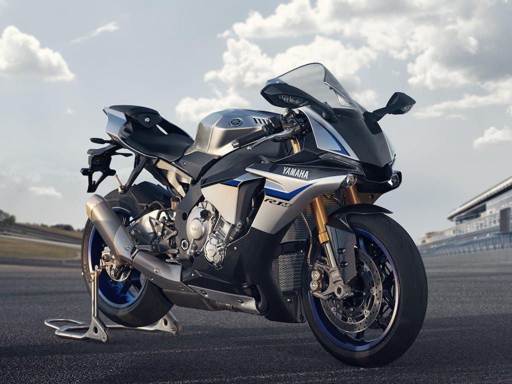 Yamaha YZF-R1M, il ritorno