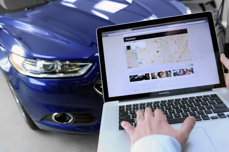 Ford drivers with SYNC¨ AppLinkª now control Glympse on their smartphone and send their location to friends using simple voice commands.