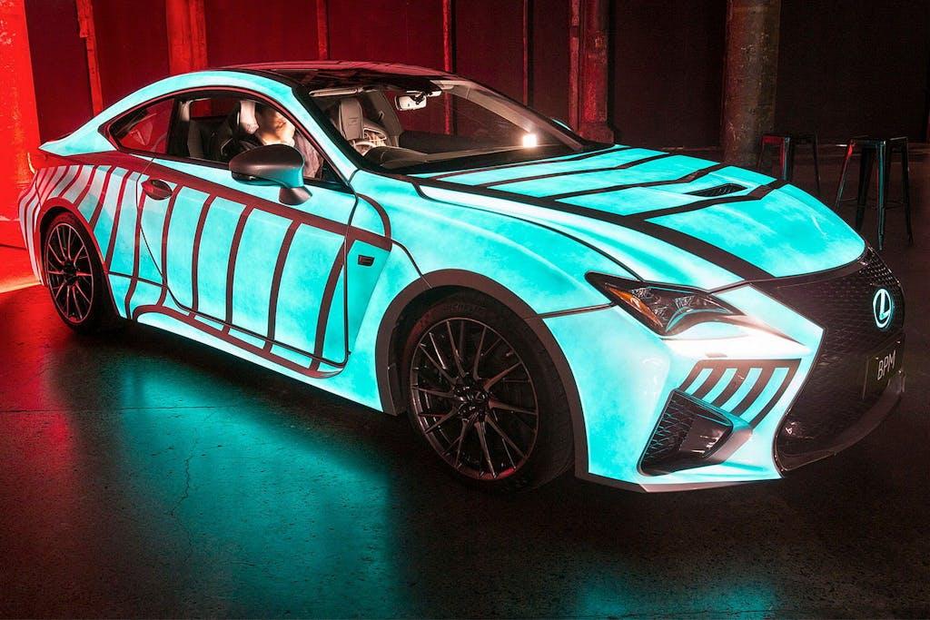 Lexus RC F Heart Racing: cambia colore con il cuore
