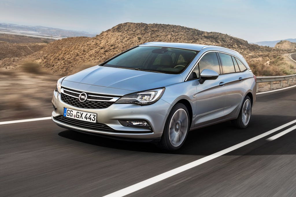 Opel Astra Sports Tourer: il passato è remoto