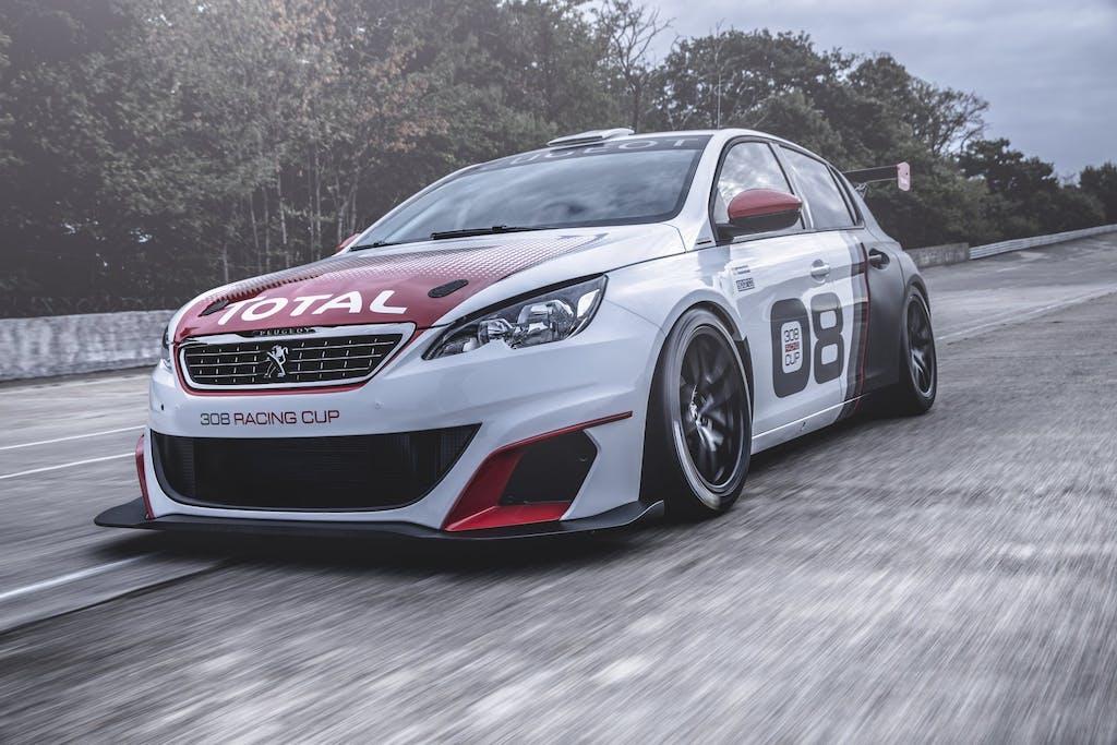 Peugeot 308 Racing Cup: cordoli a colazione