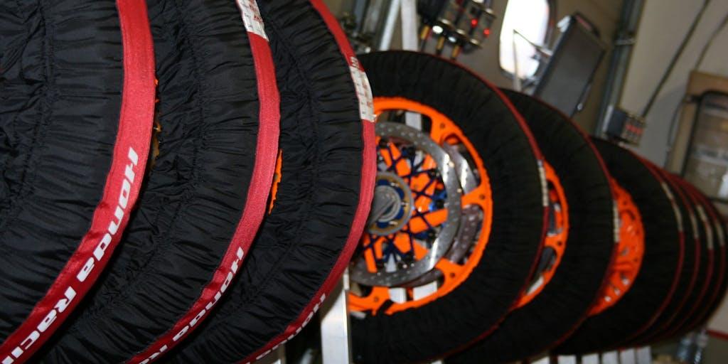 Mr Bridgestone: tutti i segreti delle gomme della MotoGP